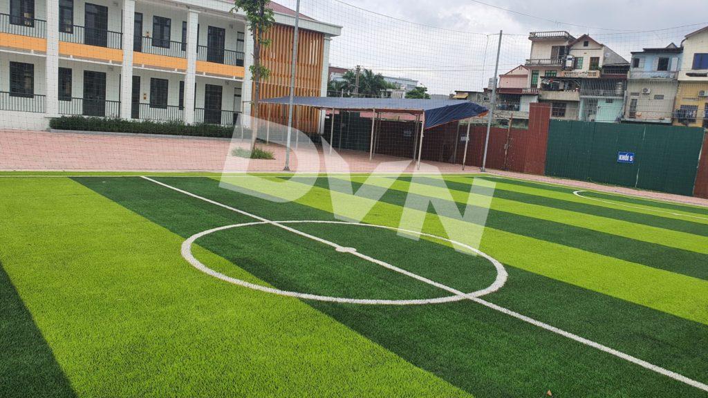 1,Một số hình ảnh thi công sân bóng cỏ nhân tạoTrường Tiểu học Dĩnh Kế 5
