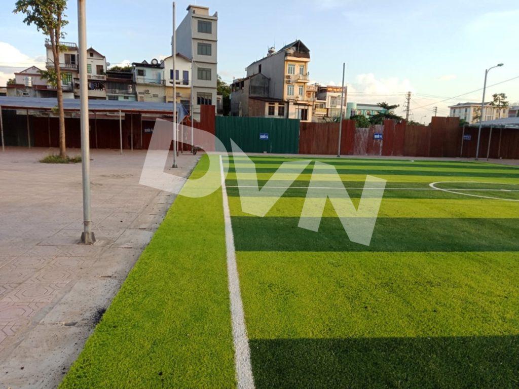 1,Một số hình ảnh thi công sân bóng cỏ nhân tạoTrường Tiểu học Dĩnh Kế 6