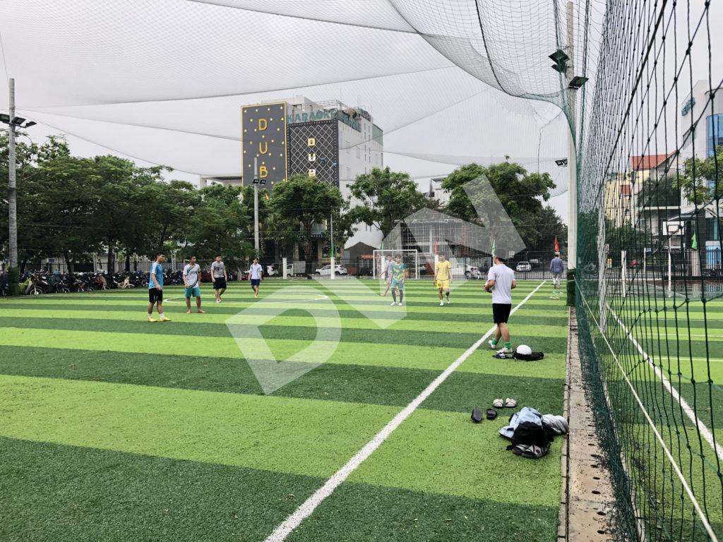 Thi công sân banh cỏ nhân tạo trường Đại học Đông Á - Đà Nẵng 3