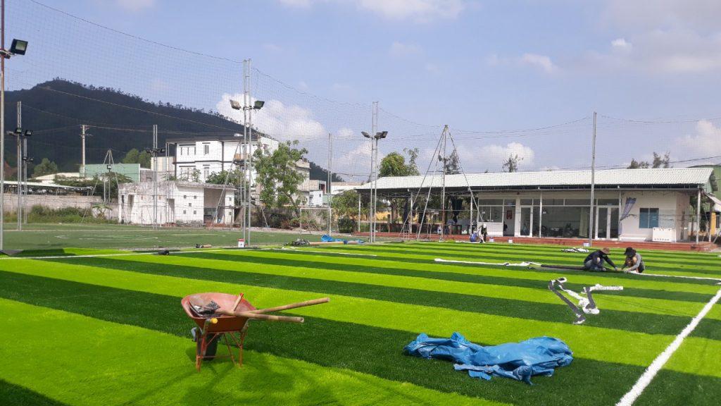 Tóm tắt quy trình thi công sân banh cỏ nhân tạo 7 người Quảng Trị 1