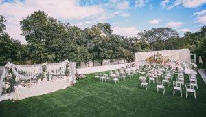 Mẹo chọn cỏ nhân tạo sân vườn trong trang trí tiệc cưới 2