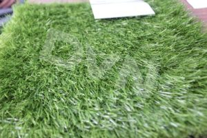Tổng hợp các cách chọn cỏ nhân tạo tốt 4