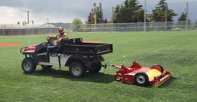 Những lưu ý trong việc bảo dưỡng sân cỏ nhân tạo