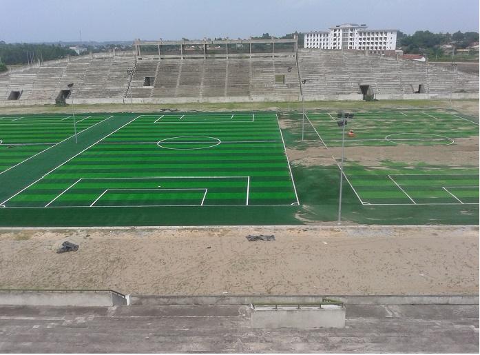 Công trình thi công sân bóng đá cỏ nhân tạo của DVN