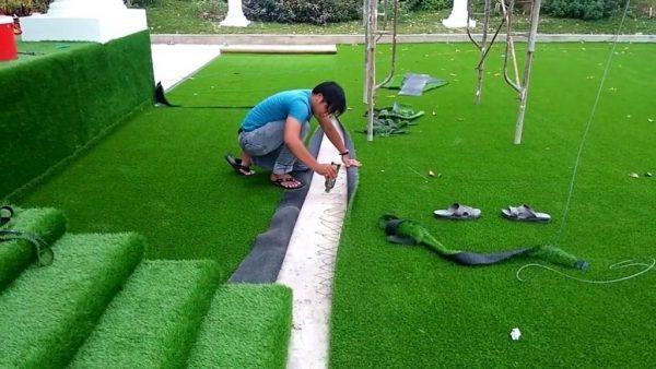Quy trình thi công cỏ nhân tạo sân chơi ở Hải Phòng được thực hiện tỉ mỉ