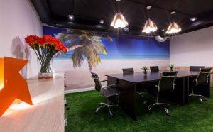 Các ý tưởng trang trí cỏ nhân tạo trong văn phòng 7
