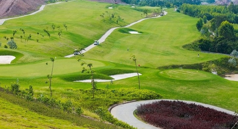 Chi phí thuê sân Golf