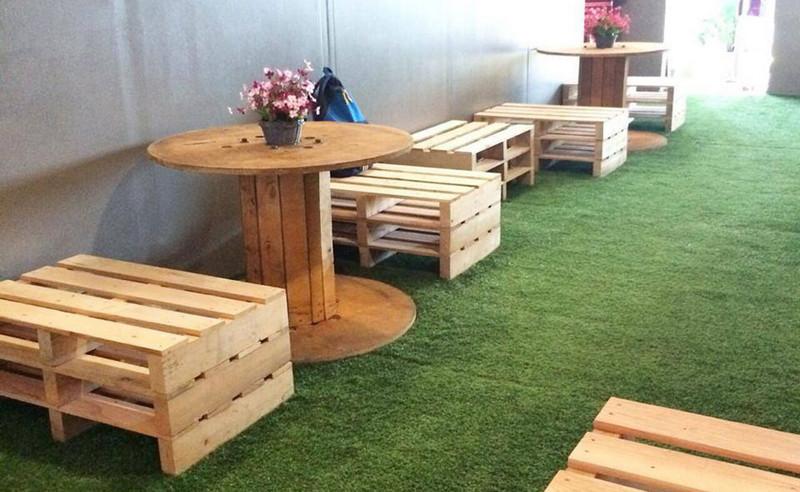 Trang trí sàn tiệm Spa với cỏ nhân tạo