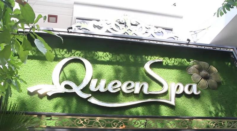 Trang trí biểu hiệu bên ngoài tiệm Spa